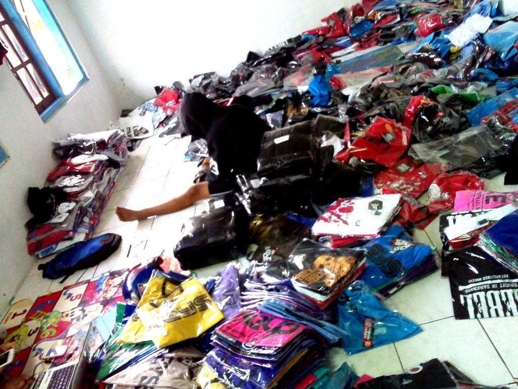 Grosir Baju Distro Bandung Murah Produsen Distro Cimahi, Memberi Peluang Usaha Yang Mudah Bagi Pemula